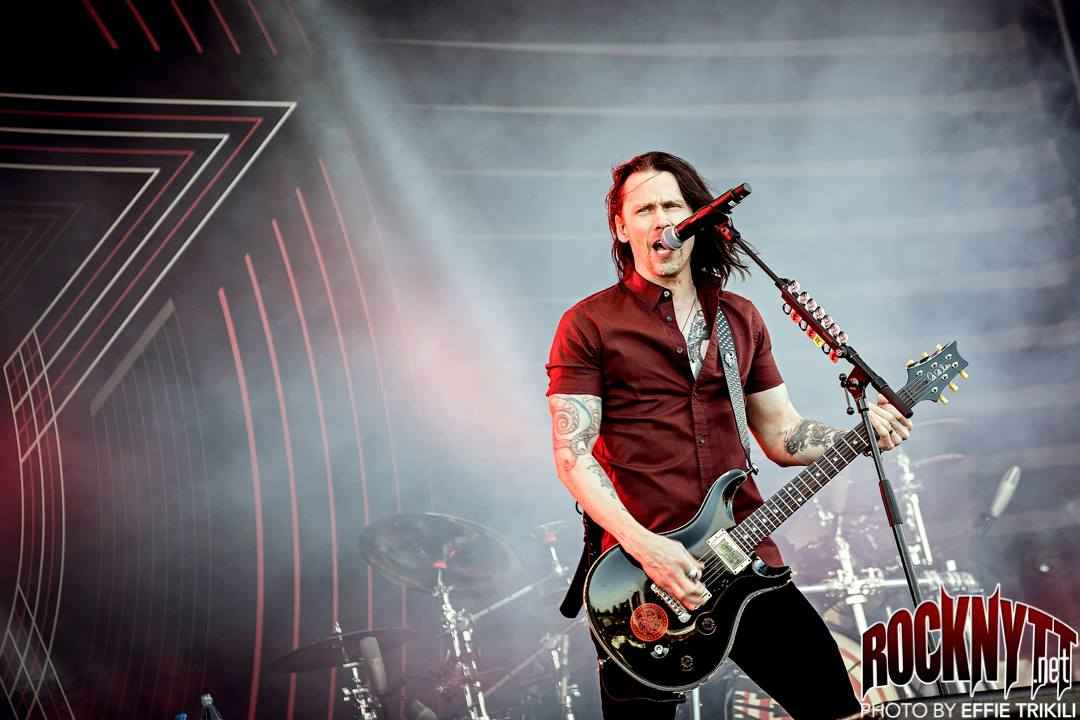 NY VIDEO: Alter Bridge - Take The Crown (Lyric)