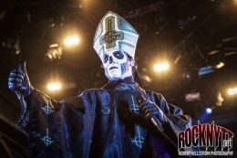 Ghost supportar Guns N' Roses
