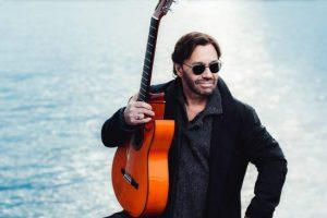 Gitarrlegenden Al Di Meola till Sverige