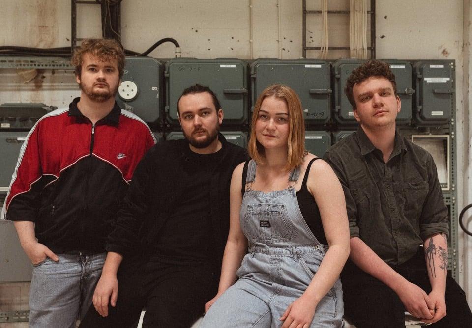 NY LÅT: Ebba Bergkvist & The Flat Tire Band - Better Off This Way