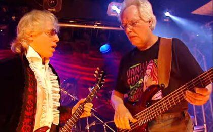 Basisten Tim Bogert är död